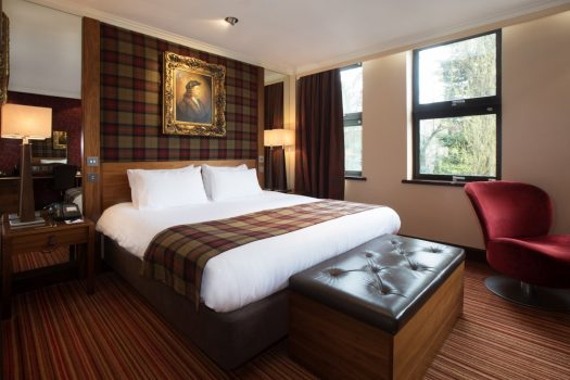 Hallmark Hotel Chester The Queen - Kings double bedroom