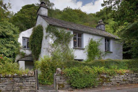 Rabbie's Tours Manchester - Wordsworth Dove Cottage, Lake District