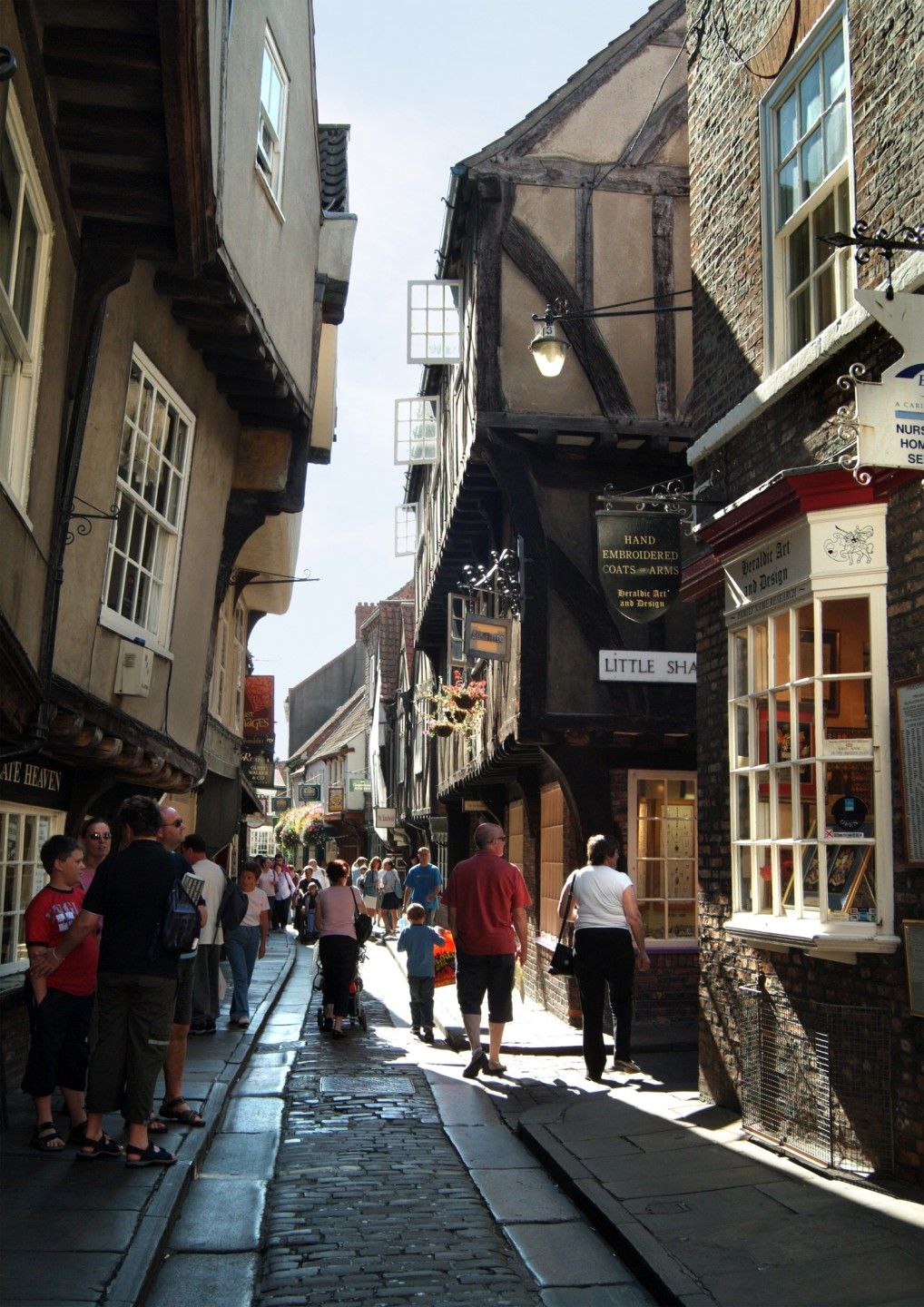 The Shambles, York, North Yorkshire - On a busy day looking down to Little  Shambles © Paul Crossman_www.visityork.org - Manchester Sightseeing Tours